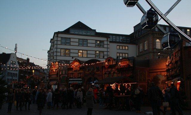 Kerstmarkten in Düsseldorf marktplatz